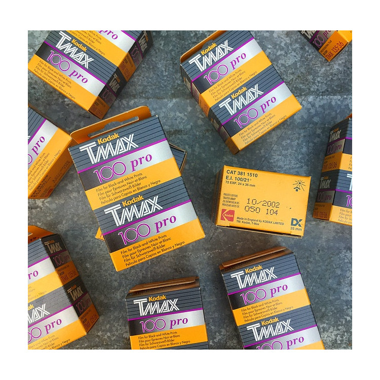 expired film kodak bipack 35mm 135 black and white tmax tmx 100 2002
