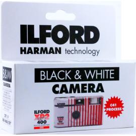 appareil photo jetable ilford xp2 noir et blanc 27 poses photos flash argentique c41