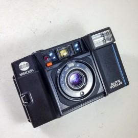 minolta af-s compact 35mm 2.8 point and shoot flash autofocus