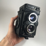 yashica mat 124G reflex TLR yashinon 80mm 3,5 analog camera medium format antique vintage photography photo film