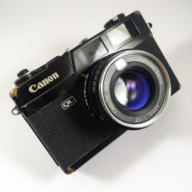 Canon Canonet QL17 Black  40mm 1.7 compact film camera vintage antique 35mm 135