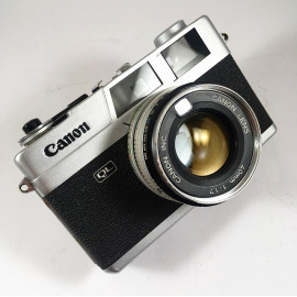 Canon Canonet QL17  40mm 1.7 compact film camera vintage antique 35mm 135