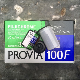 provia 100f 35mm fuji fujifilm 36 poses fujichrome diapo couleur diapositives 100 périmée 2007