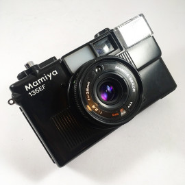 Mamiya 135EF antique vintage 38mm 2.8 point and shoot compact analog 1979