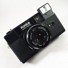 konica c35 af 2 black 38mm 2.8 compact point and shoot vintage flash autofocus analog camera