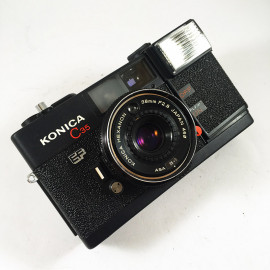 konica c35 ef noir 38mm 2.8 compact point and shoot antique vintage flash autofocus argentique