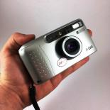 ricoh r100 35mm f4,5  autofocus 30mm super wide compact point and shoot antique vintage flash 2001 analog