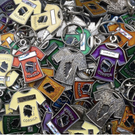 porte clefs ancien métallique corse corsica coloré maillot couleur touristique prénom prénoms publicitaire vintage 1980