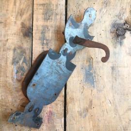 latch door knob handle big wood door lock decor 1900 antique vintage metal metallic