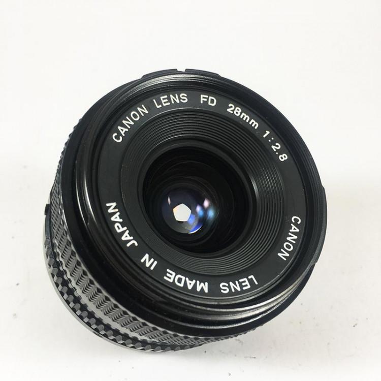 Canon FD New 28mm 2.8 objectif vintage 35mm 24 36 antique vintage analog reflex 24 36