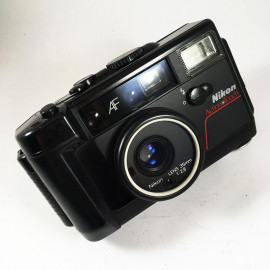 nikon l35awaf action touch underwater waterproof compact point and shoot autofocus data back 35mm 2.8