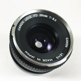 Canon FD Chrome 28mm 3.5 objectif vintage 35mm 24 36 antique vintage analog reflex 24 36