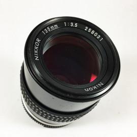 Nikon Nikkor ai 135mm f3.5 objectif ancien vintage argentique 35mm 24 36
