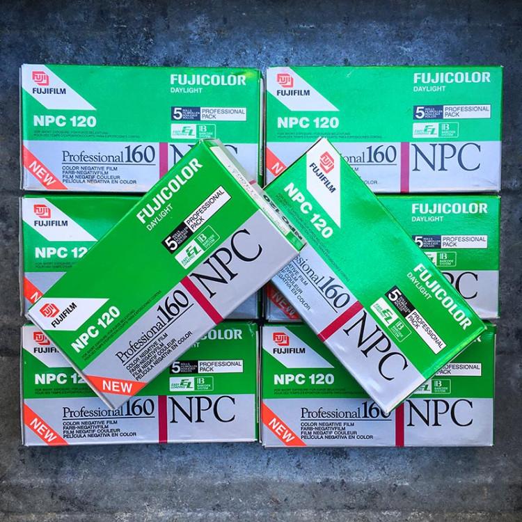pack 5 fuji fujicolor NPC 160 Natural Color négatif couleur pellicule 120 argentique moyen format C41 2002 périmée