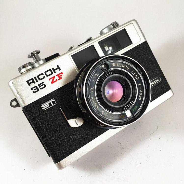 ricoh 35 ZF 35mm film small analog camera compact vintage 1976