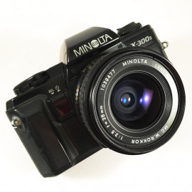minolta x-300s 28mm 3.5 reflex analog 35mm analog film camera vintage