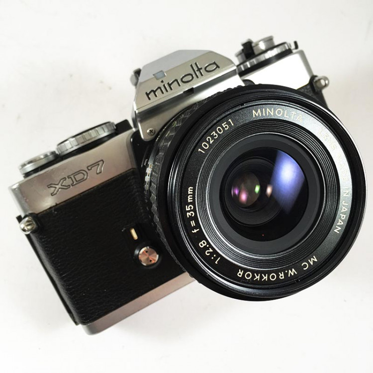 minolta xd7 winder ancien appareil argentique vintage 24 36 35mm objectif mc rokkor 35mm 2.8