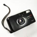 yashica T4 noir point and shoot tessar 35mm 3.5 135 argentique haut de gamme 1990