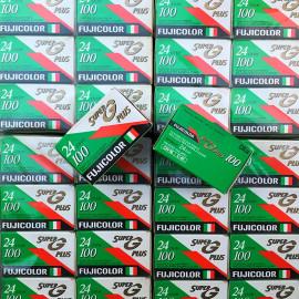 Pellicule périmée argentique film 35mm   Fujifilm Super G 100 24x36