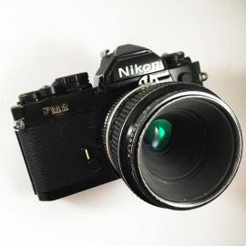 Nikon Fm2 noir 55mm boitier 24x36 argentique micro-nikkor 3.5