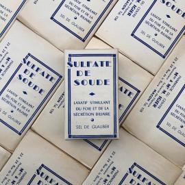 boite de pharmacie ancienne sulfate de soude laxatif sel de glauber blanc vintage 1930 1940 igier macon saone et loire
