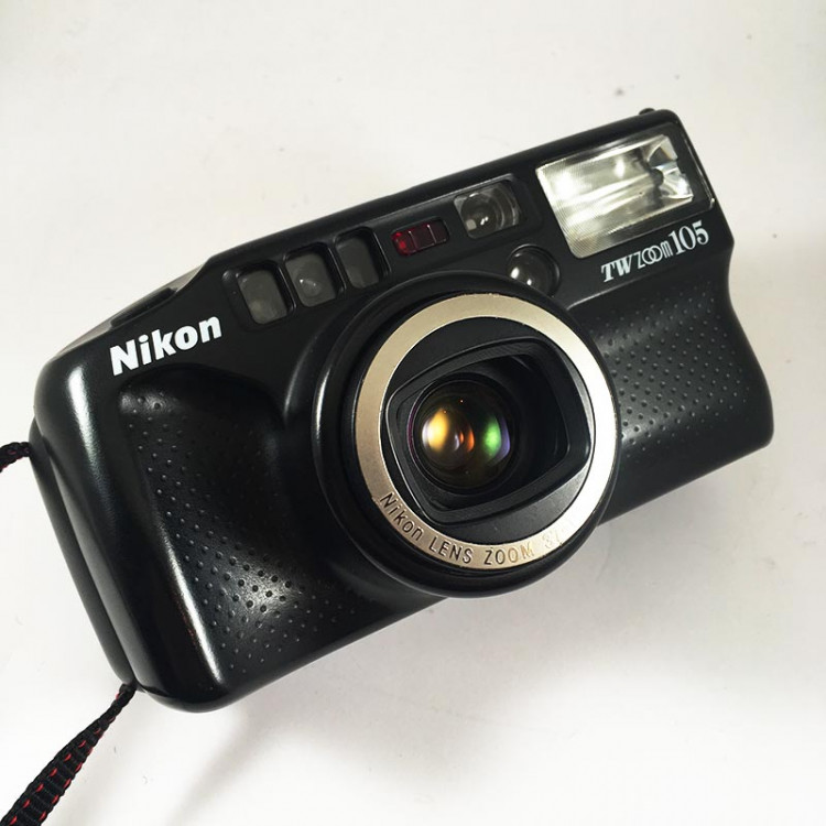 nikon tw zoom 105 37-105mm macro compact point and shoot argentique