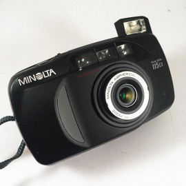 minolta riva af zoom black 115 ex point and shoot antic vintage 38-115mm  analog 1995 compact camera