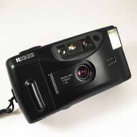 Ricoh s-30 s30 compact 35mm  35mm 3.9 point and shoot compact camera analog vintage
