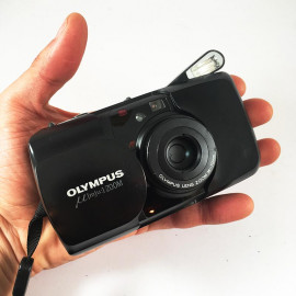olympus mju zoom noir 35mm 70mm 35mm  point and shoot  1993 135 argentique