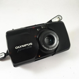 olympus zoom 35 70 35mm camera point and shoot vintage 1993