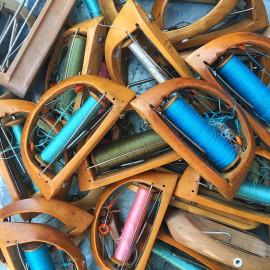 navette avec bobine bois métal atelier tissage soie filature ancien vintage mercerie 1930 1950