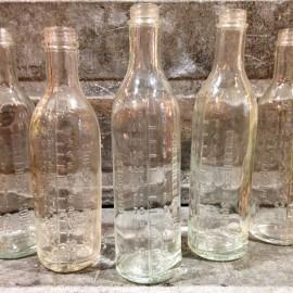 bouteille verre  graduée mesure ancien vintage gramme cuillerée soupe pharmacie santé 1950