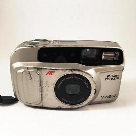 minolta riva af zoom 70 point and shoot antic vintage 35-70mm  analog 1993 compact camera grey
