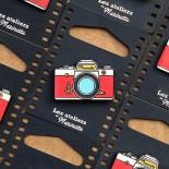 photo reflex camera analog pin badge enamel accessories les ateliers de marinette metal lyon vintage red
