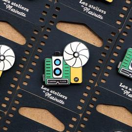 pin's photo camera flash émaillé émail design appareil photo accessoires vintage les ateliers de marinette