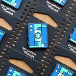 pin's photo box bleu émaillé émail design appareil photo accessoires vintage les ateliers de marinette