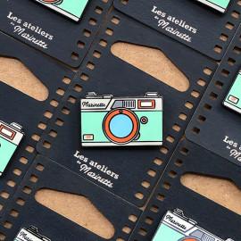 photo rangefinder blue camera analog pin badge enamel accessories les ateliers de marinette metal lyon vintage
