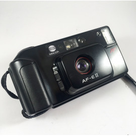 Minolta af-eII af e2 autofocus antique vintage 35mm 4.5 point and shoot compact analog 1987