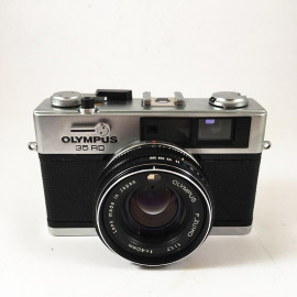 olympus 35 RD small analog camera compact vintage 35mm 135 40mm 1.7