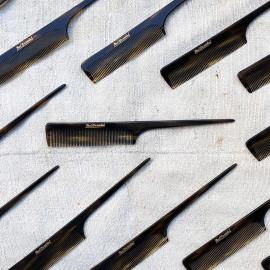 peigne ancien plastique oyonnax vintage look 1950 noir 1960 rhodoid long tige