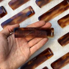 peigne ancien plastique oyonnax vintage look 1950 noir 1960 rhodoid effet écaille trou