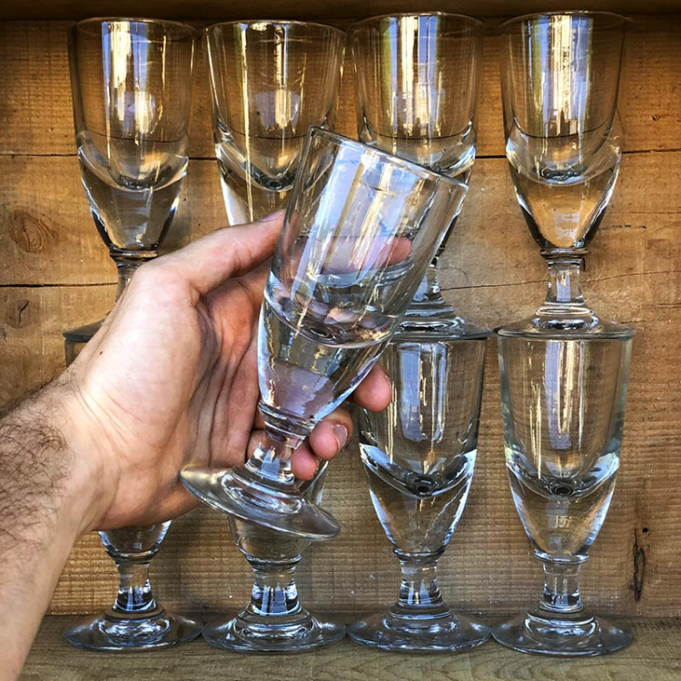 verre à absinthe soufflé épais pied verrerie ancien vintage bistrot bar restaurant 1900