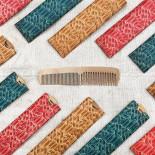 peigne en bois ancien 1950 1960 avec étui coloré vintage coiffure homme femme jura
