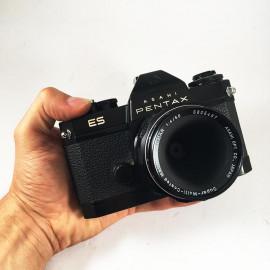 pentax asahi ES black smc macro takumar 50mm 4 f4 reflex film 35mm 135 analog camera vintage