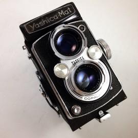 yashica yashica-mat 120 reflex TLR yashinon 80mm 3,5 analog camera medium format antique vintage photography photo film