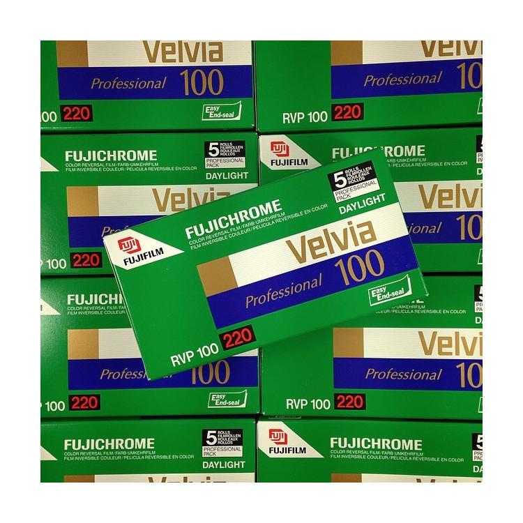 pellicule 220 film pack 5 velvia 100 moyen format diapo diapositive positif 6 6 120 fujifilm fuji périmé 2008