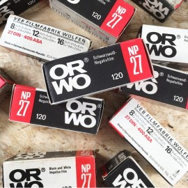 pellicule argentique périmée péremption noir et blanc orwo np27 ancien stock vintage film 120 iso 400