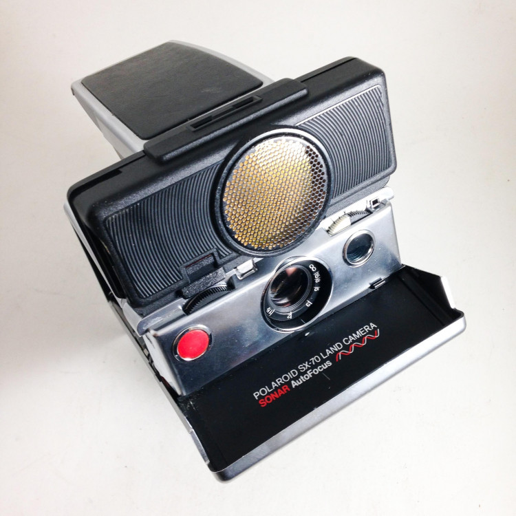 polaroid vintage antique sx-70 reflex autofocus sonar mat instant photo 1970 1980