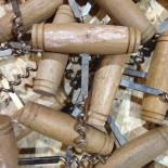 tire-bouchon traditionnel bois ancien vintage métal bistrot bar 1970