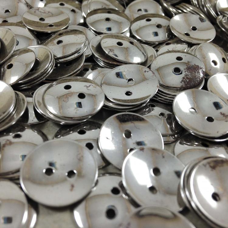 bouton argenté incurvé ancien vintage mercerie plastique 14mm 1960
